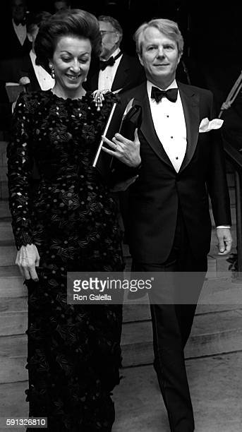 Mercedes Kellogg and Sid Bass attend A Decade of Literary Lions Benefit Gala on November 8 1990 at the New York Public Library in New York City