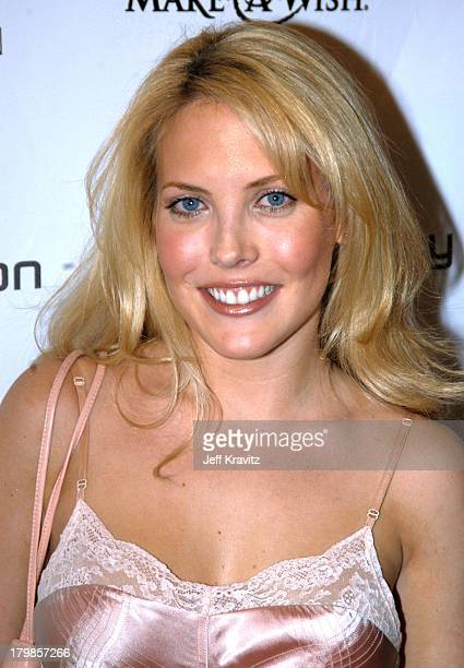 Mercedes McNab during Jessica Simpson and Nick Lachey Host Sony Ericsson T610/T616 Shoot for the Stars Charity Auction for the MakeAWishFoundation...