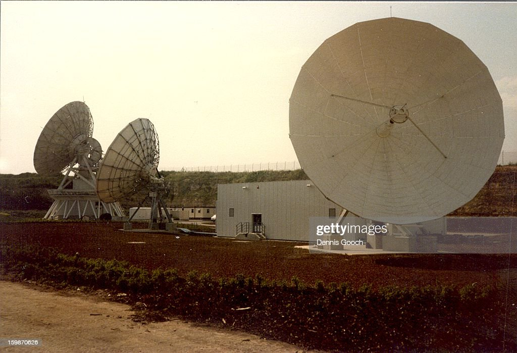 CONTENT] Mercury Whitehills Earth Satellite Station near Oxford being commissioned by us members of the Marconi Company