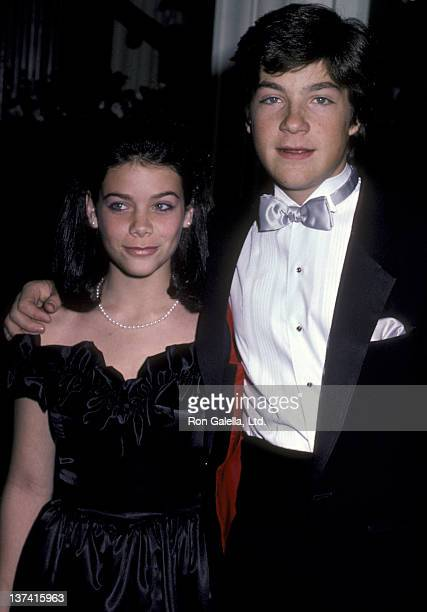 Meredith Salenger and Jason Bateman attend Hollywood Press Lifetime Achievement Awards Dinner on January 17 1986 at the Beverly Hills Hotel in...
