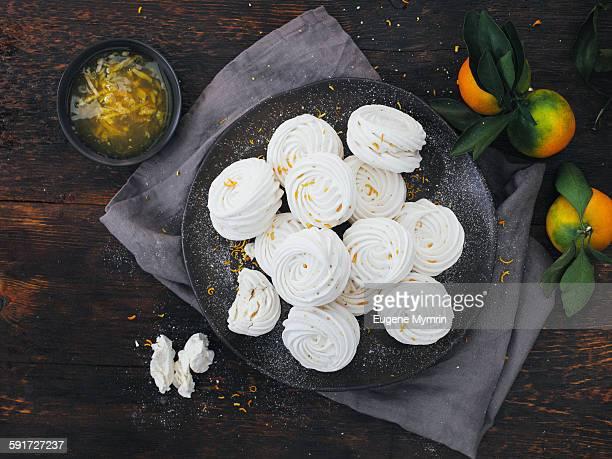 Meringues with citrus jam