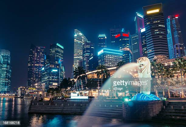 Merlion and cityscape of Marina Bay, Singapore