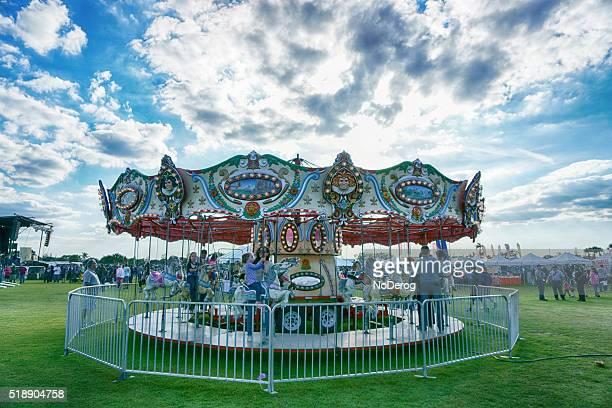Joyeux aller tour carnaval Ride à Communauté Festival