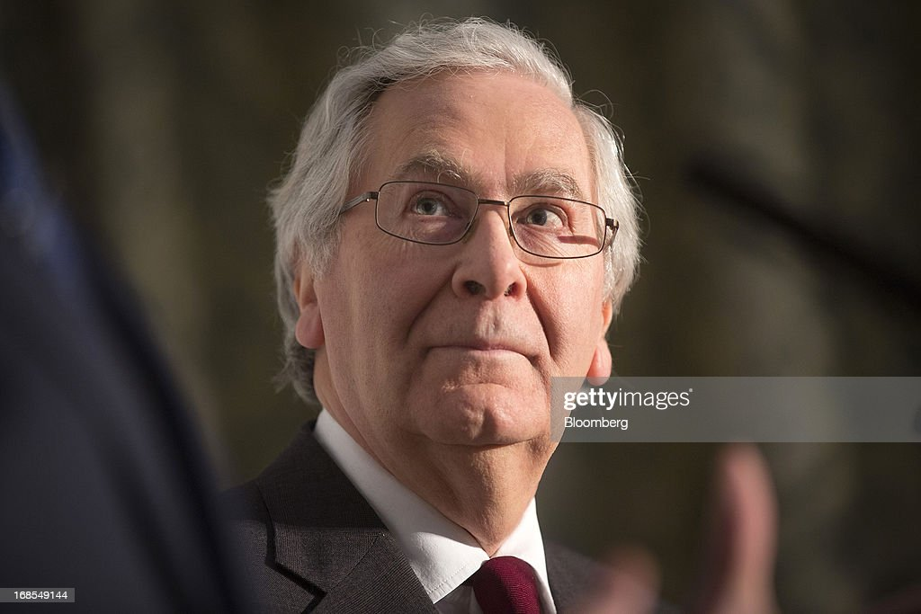 <a gi-track='captionPersonalityLinkClicked' href=/galleries/search?phrase=Mervyn+King+-+Economist&family=editorial&specificpeople=14888473 ng-click='$event.stopPropagation()'>Mervyn King</a>, governor of the Bank of England, pauses during a news conference at the Group of Seven (G-7) finance ministers and central bank governors meeting at Hartwell House in Aylesbury, U.K., on Saturday, May 11, 2013. Global finance chiefs clashed over the correct speed of budget cutting as they sought fresh ways to rally the slowing world economy. Photographer: Simon Dawson/Bloomberg via Getty Images