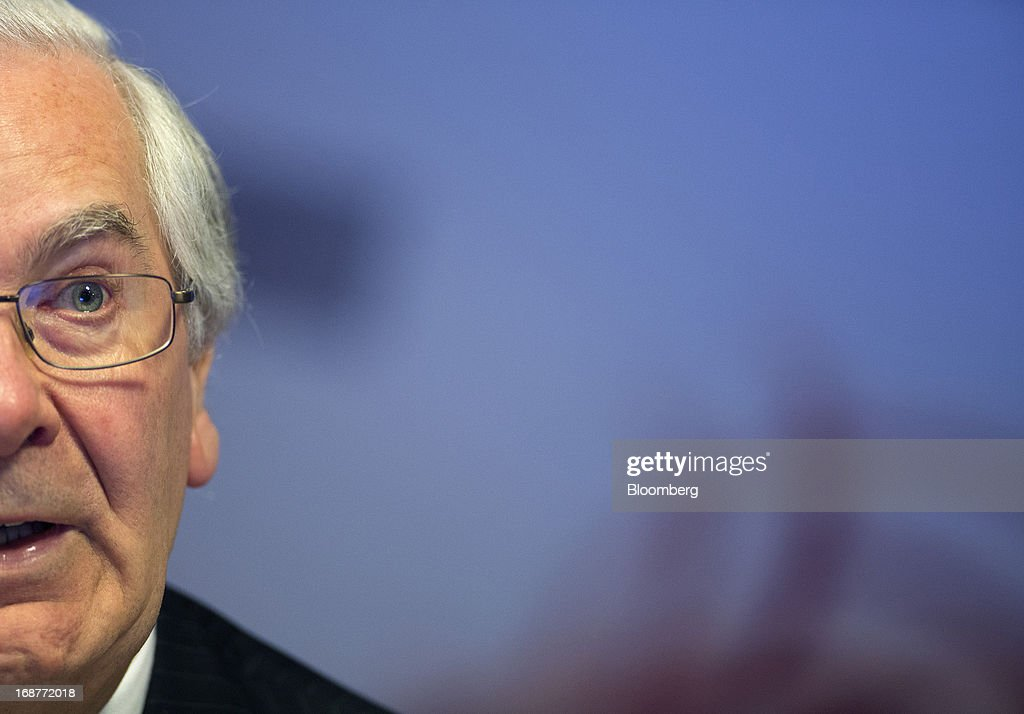 <a gi-track='captionPersonalityLinkClicked' href=/galleries/search?phrase=Mervyn+King+-+Economist&family=editorial&specificpeople=14888473 ng-click='$event.stopPropagation()'>Mervyn King</a>, governor of the Bank of England, speaks during the bank's quarterly inflation report news conference at the Bank of England in London, U.K., on Wednesday, May, 15, 2013. The Bank of England raised its forecasts for economic growth and said it may hit its 2 percent inflation target quicker than previously estimated. Photographer: Simon Dawson/Bloomberg via Getty Images