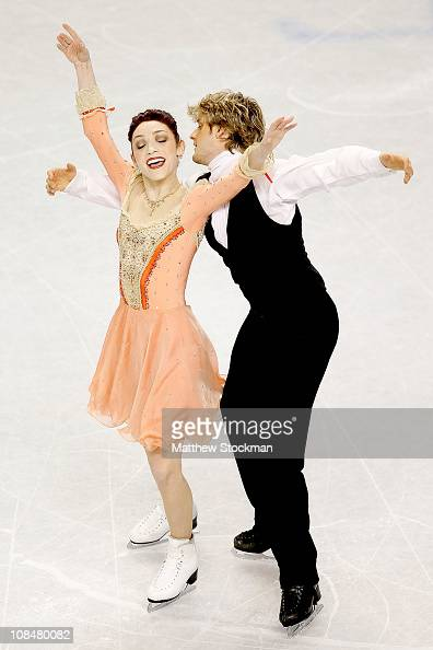 Meryl Davis and Charlie White compete in the Championship Dance Short Dance during the US Figure Skating Championships at the Greensboro Coliseum on...
