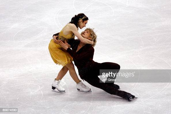 Meryl Davis and Charlie White of the United States compete in the Free Dance during the 2009 ISU World Figure Skating Championships on March 27 2009...