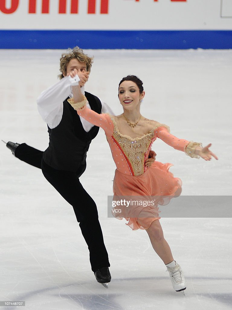 <a gi-track='captionPersonalityLinkClicked' href=/galleries/search?phrase=Meryl+Davis&family=editorial&specificpeople=3995758 ng-click='$event.stopPropagation()'>Meryl Davis</a> (female) and <a gi-track='captionPersonalityLinkClicked' href=/galleries/search?phrase=Charlie+White+-+Figure+Skater&family=editorial&specificpeople=6691356 ng-click='$event.stopPropagation()'>Charlie White</a> of the USA are training ahead of the Grand Prix Final 2010 at Capital Indoor Stadium on December 8, 2010 in Beijing, China.