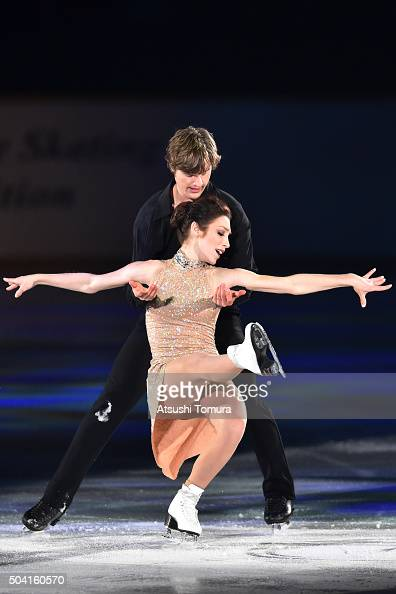 Meryl Davis and Charlie White of United States perform thier routine during the NHK Special Figure Skating Exhibition at the Morioka Ice Arena on...