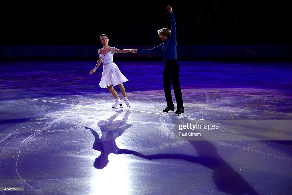 <a gi-track='captionPersonalityLinkClicked' href=/galleries/search?phrase=Meryl+Davis&family=editorial&specificpeople=3995758 ng-click='$event.stopPropagation()'>Meryl Davis</a> and Charlie White of USA performs during the Figure Skating Exhibition Gala at Iceberg Skating Palace on February 22, 2014 in Sochi.