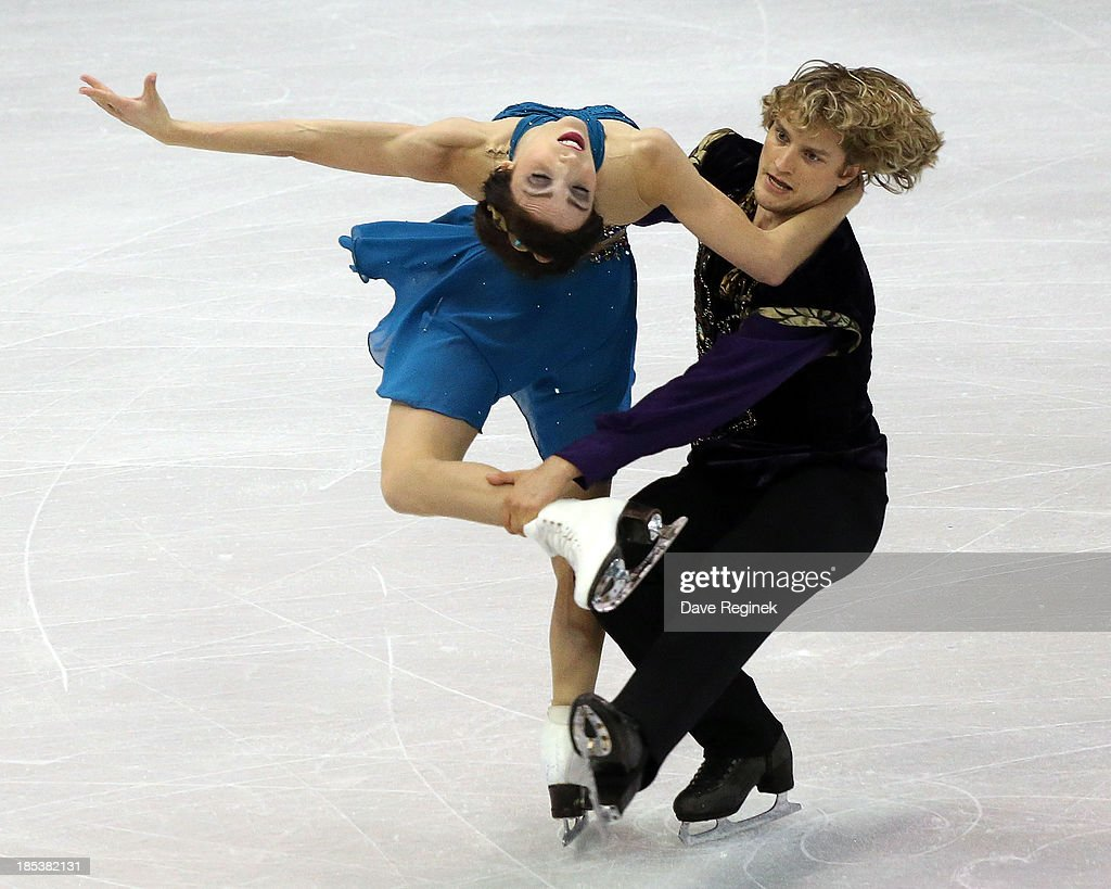 <a gi-track='captionPersonalityLinkClicked' href=/galleries/search?phrase=Meryl+Davis&family=editorial&specificpeople=3995758 ng-click='$event.stopPropagation()'>Meryl Davis</a> (L) and Charlie White perform during the free dance of day two at Skate America at Joe Louis Arena on October 19, 2013 in Detroit, Michigan.