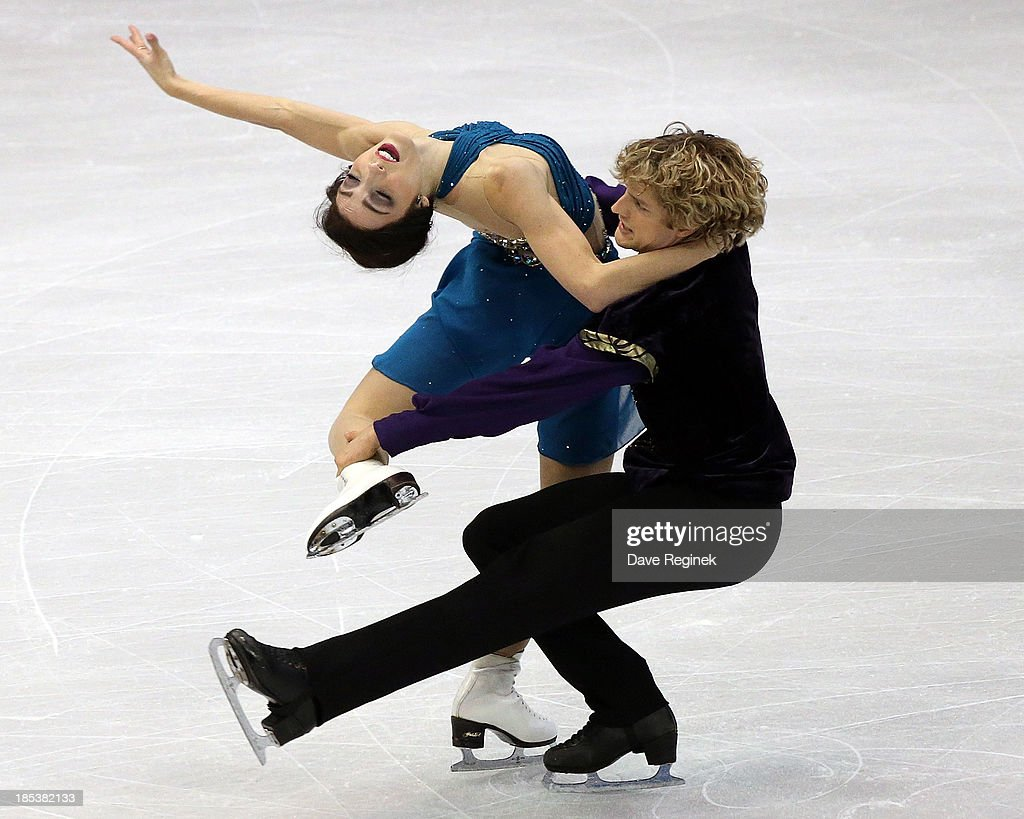 Meryl Davis (L) and Charlie White perform during the free dance of day two at Skate America at Joe Louis Arena on October 19, 2013 in Detroit, Michigan.