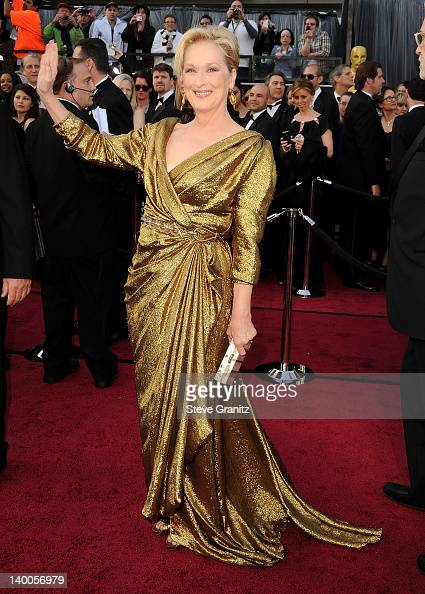Meryl Streep arrives at the 84th Annual Academy Awards at Grauman's Chinese Theatre on February 26 2012 in Hollywood California