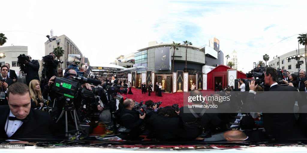 <a gi-track='captionPersonalityLinkClicked' href=/galleries/search?phrase=Meryl+Streep&family=editorial&specificpeople=171097 ng-click='$event.stopPropagation()'>Meryl Streep</a> arrives at the 86th Annual Academy Awards at the Hollywood & Highland Center on March 2, 2014 in Hollywood, California.