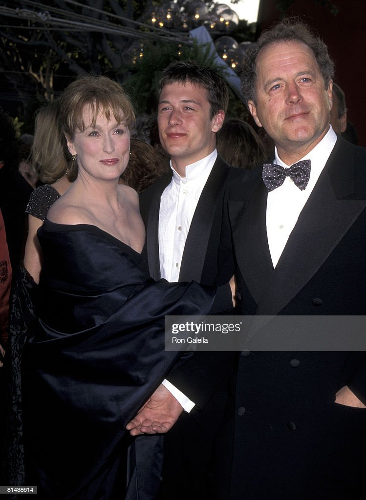 <a gi-track='captionPersonalityLinkClicked' href=/galleries/search?phrase=Meryl+Streep&family=editorial&specificpeople=171097 ng-click='$event.stopPropagation()'>Meryl Streep</a>, Husband Donald Gummer, and Son Henry Gummer
