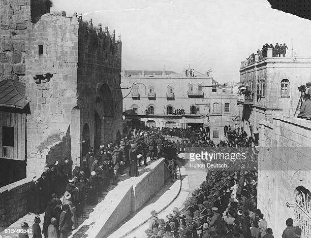 Messages are read to the British forces in Jersualem 1917 The British army led by General Edmund 'The Bull' Allenby captured the city from Turkish...