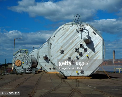 Metal containers on dock : Stock-Foto
