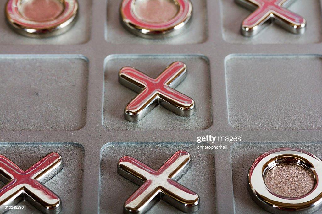 metal tic tac toe board : Foto de stock