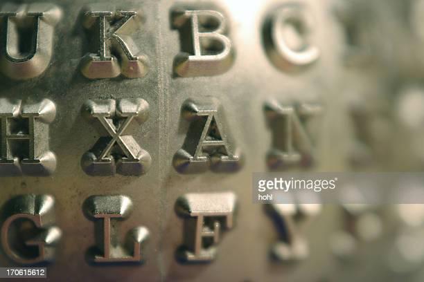 Letras metálico