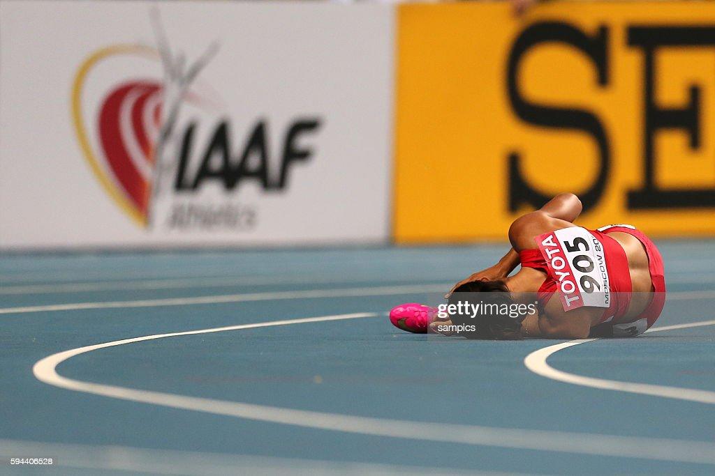 200 Meter Finale der Frauen women Allyson Felix USA nach ihren Sturz in der Kurve verletzt Leichtathletik WM Weltmeisterschaft Moskau 2013 IAAF World...