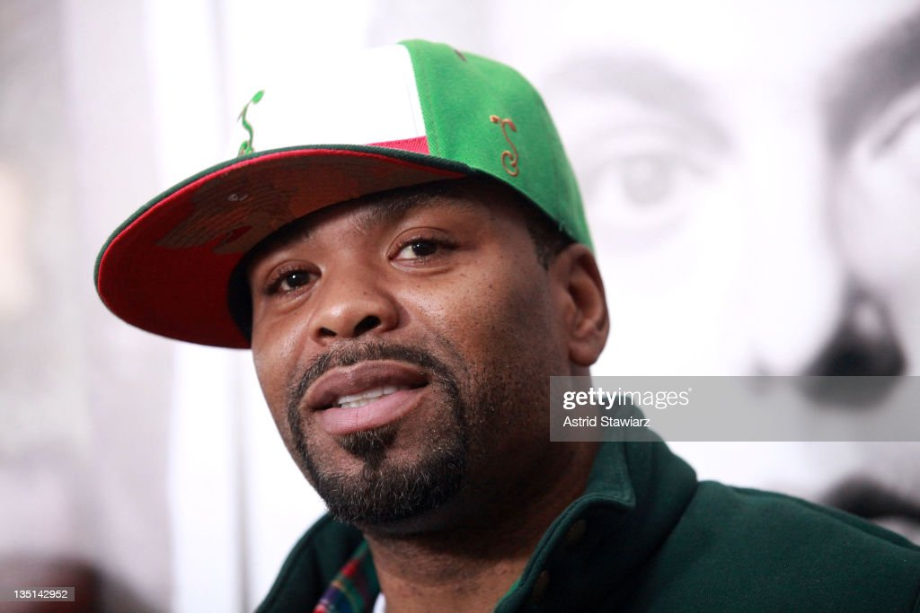 Method Man attends 'The Sitter' premiere at Chelsea Clearview Cinemas on December 6, 2011 in New York City.