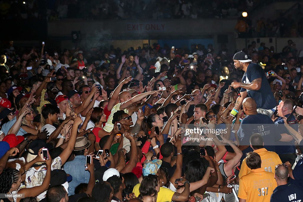 <a gi-track='captionPersonalityLinkClicked' href=/galleries/search?phrase=Method+Man&family=editorial&specificpeople=213181 ng-click='$event.stopPropagation()'>Method Man</a> performs during HOT 97 Summer Jam XX at MetLife Stadium on June 2, 2013 in East Rutherford, New Jersey.