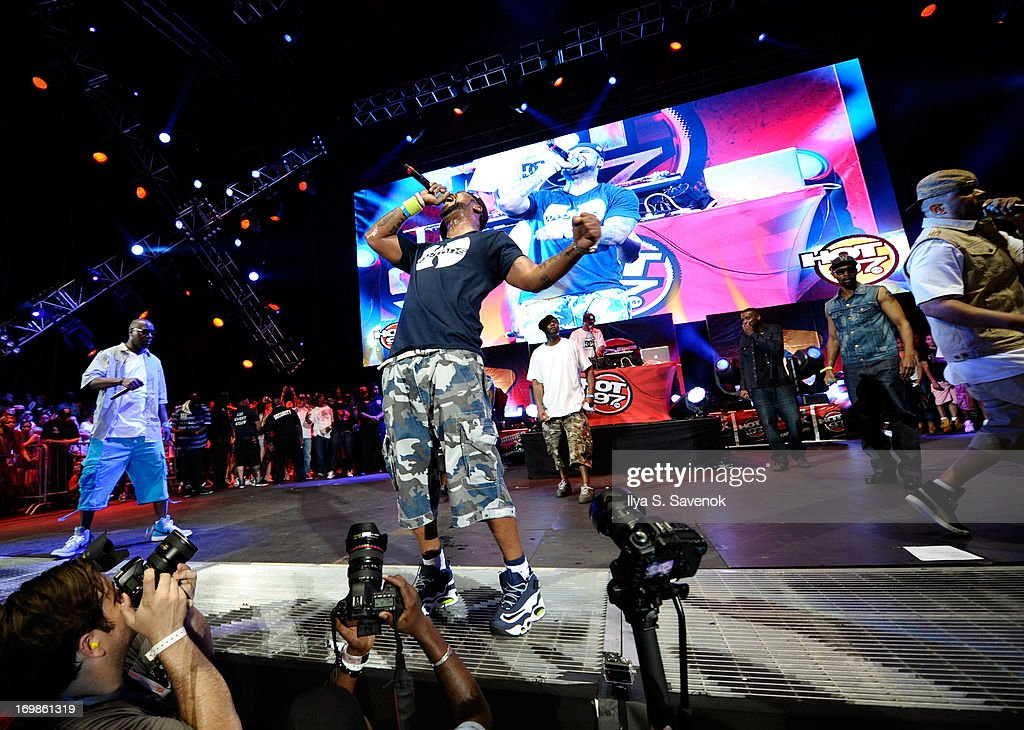 Method Man (C) performs during HOT 97 Summer Jam XX at MetLife Stadium on June 2, 2013 in East Rutherford, New Jersey.