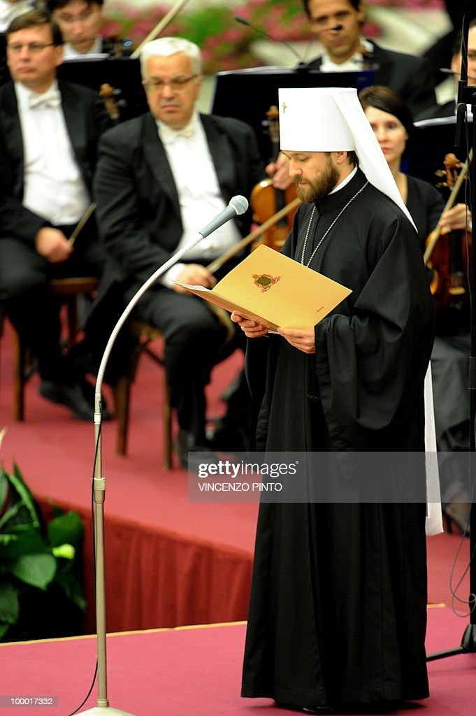 Methropolite Hilarion Alfeyev reads a message from Russian Patriarch Kirill I to Pope Benedict XVI prior to a concert in the Paolo VI hall at the Vatican on May 20, 2010, to mark the Russian day of culture and spirituality.