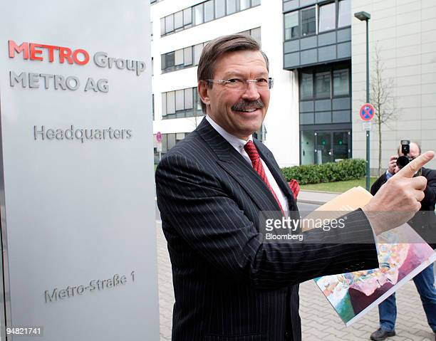 Metro AG Chief Executive Dr HansJoachim Koerber poses prior to the company's press conference in Duesseldorf Germany Tuesday March 22 2005 Metro AG...