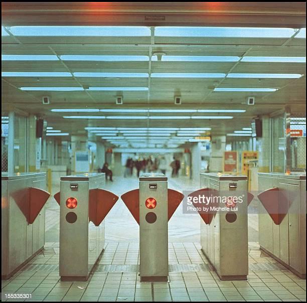 Metro gates