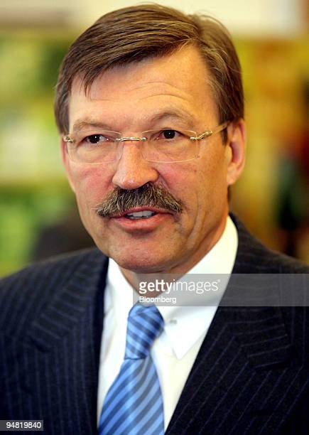 Metro Group Chief Executive HansJoachim Koerber speaks during a news conference in Duesseldorf Germany Wednesday March 22 2006 Metro AG the world's...