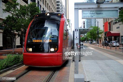 Metro Trem na Estação do centro da cidade de Houston, Texas