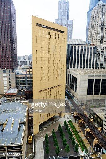 Metropolitan Correction Center, downtown Chicago : Stock Photo