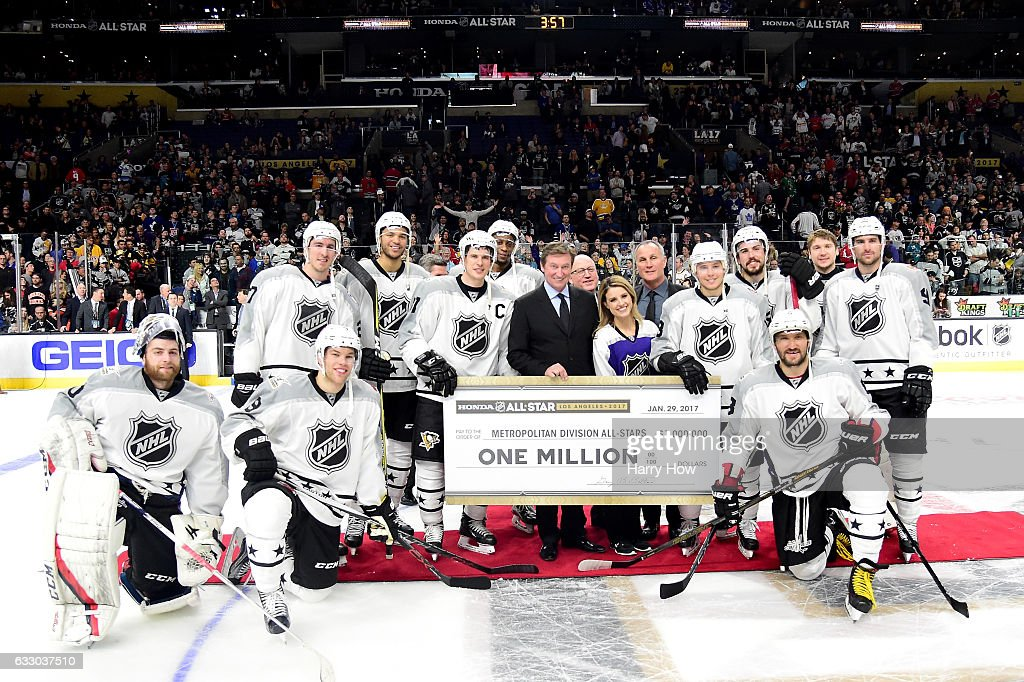 Metropolitan Division All-Stars players pose with head coach Wayne Gretzky after defeating the Pacific Division All-Stars 4-3 in the 2017 Honda NHL All-Star Tournament Final at Staples Center on January 29, 2017 in Los Angeles, California.