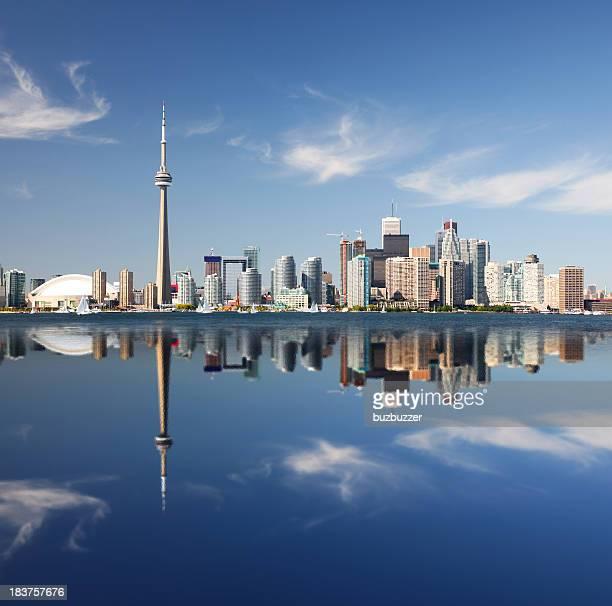 Metropolitan Toronto City Reflexion