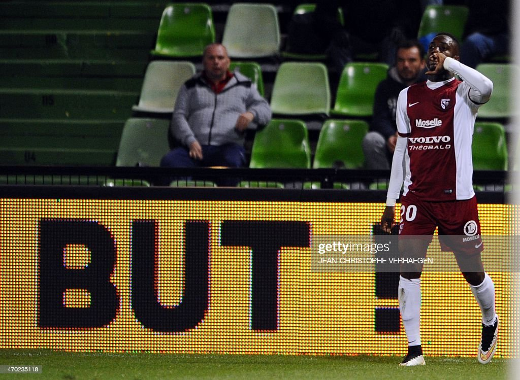 Metz' Malian forward Modibo Maiga celebrates after scoring during the French L1 football match between Metz (FCM) and Lens (RCL) on April 18, 2015 at the Saint Symphorien stadium in Metz, eastern France.