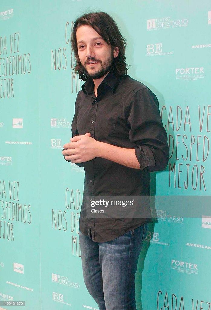 Mexican actor Diego Luna announces the second season of the play 'Cada Vez nos Despedimos Mejor' on June 10, 2014 in Mexico City, Mexico.