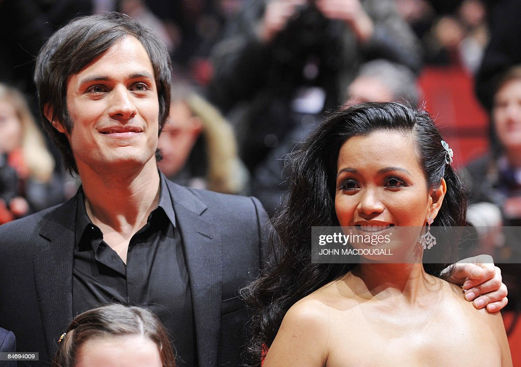 Mexican actor Gael Garcia Bernal and Filipina actress Marife Necesito pose on the red carpet ahead of the premiere of the film 'Mammoth' by Swedish director Lukas Moodysson and presented in competition at the 59th Berlinale Film Festival in Berlin February 8, 2009. The Berlinale is taking place from February 5 to 15, 2009 with 18 productions vying for the coveted Golden Bear for best picture to be awarded February 14.
