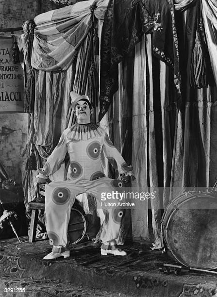 Mexican actor Ramon Novarro the screen name of Ramon Samaniegos plays Juan in the film 'The Singer of Seville' aka 'Call of the Flesh' directed by...