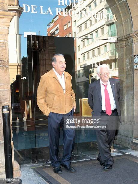 Mexican businessman Carlos Slim and Padre Angel are seen on May 22 2015 in Oviedo Spain