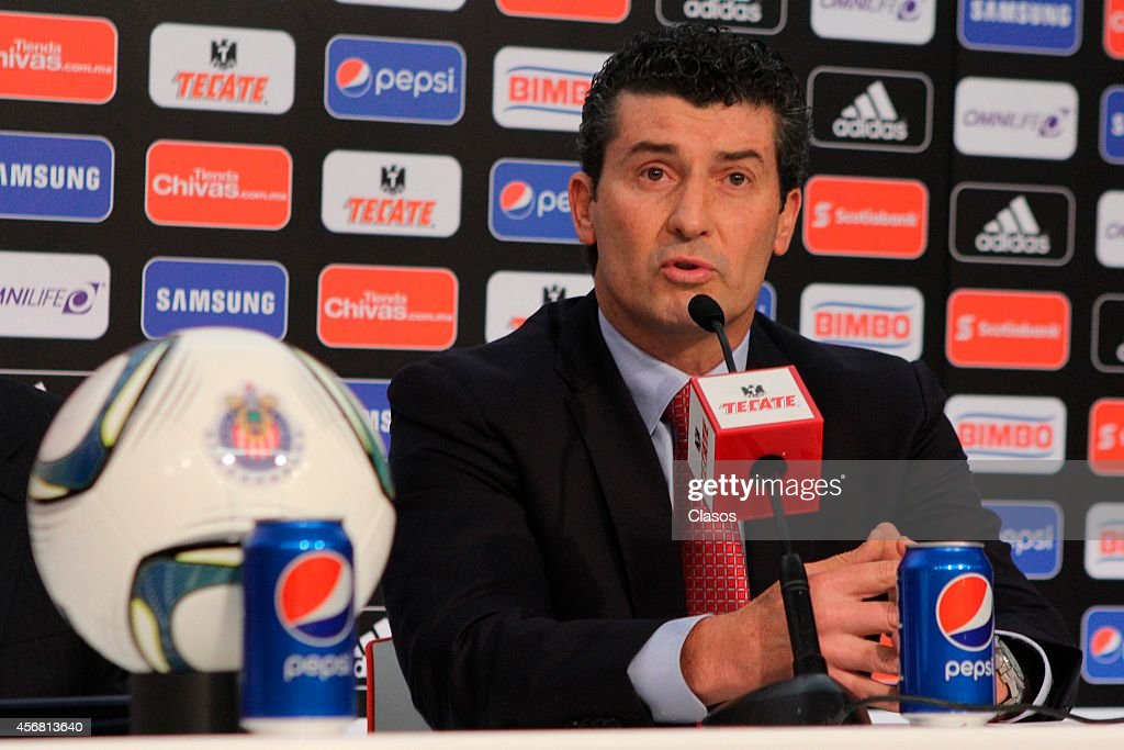 Mexican coach and former player Jose Manuel 'Chepo' de la Torre is presented as new coach of Club Chivas de Guadalajara at Omnilife Stadium on October 07, 2014 in Guadalajara, Mexico. De la Torre was the Mexican National Team Coach during the qualifiers to the FIFA World Cup Brazil 2014, before being released because of the poor performance of the team.