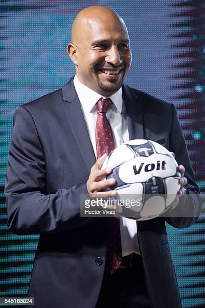 Mexican goalkeeper Oscar Perez poses for photos during the presentation of the Liga MX Torneo Apertura 2016 Official Ball at Universidad Motolinia...