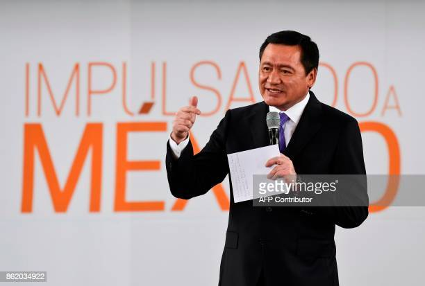 Mexican Interior minister Miguel Angel Osorio Chong delivers a speech during the forum 'Impulsando a Mexico' in Mexico City on October 16 2017 / AFP...
