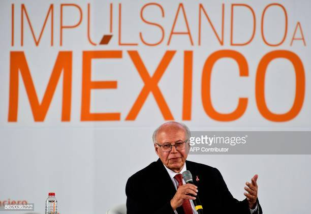 Mexican Jose Narro Minister of Health delivers a speech during the forum 'Impulsando a Mexico' in Mexico City on October 16 2017 / AFP PHOTO /...