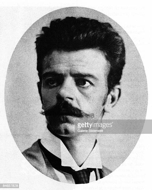 Mexican photographer Guillermo Kahlo the father of artist Frida Kahlo circa 1905