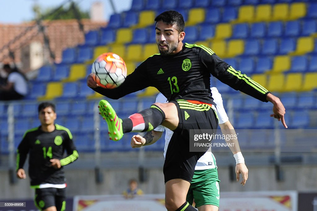 Mexican's player Garcia Sancho kicks the ball during the Under 21 International Football championship match betwen Bulgaria and Mexico at the Perruc stadium in Hyeres, southern France on May 24, 2016, as part of the Toulon Hopefuls' Tournament. / AFP / Franck PENNANT