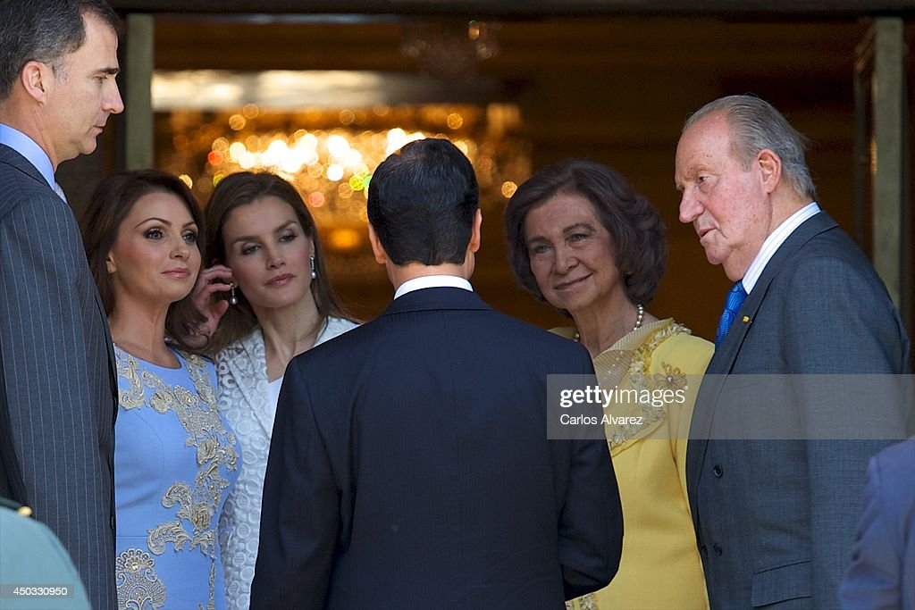 Spanish Royals Host Lunch For Mexican President Enrique Pena Nieto and Wife