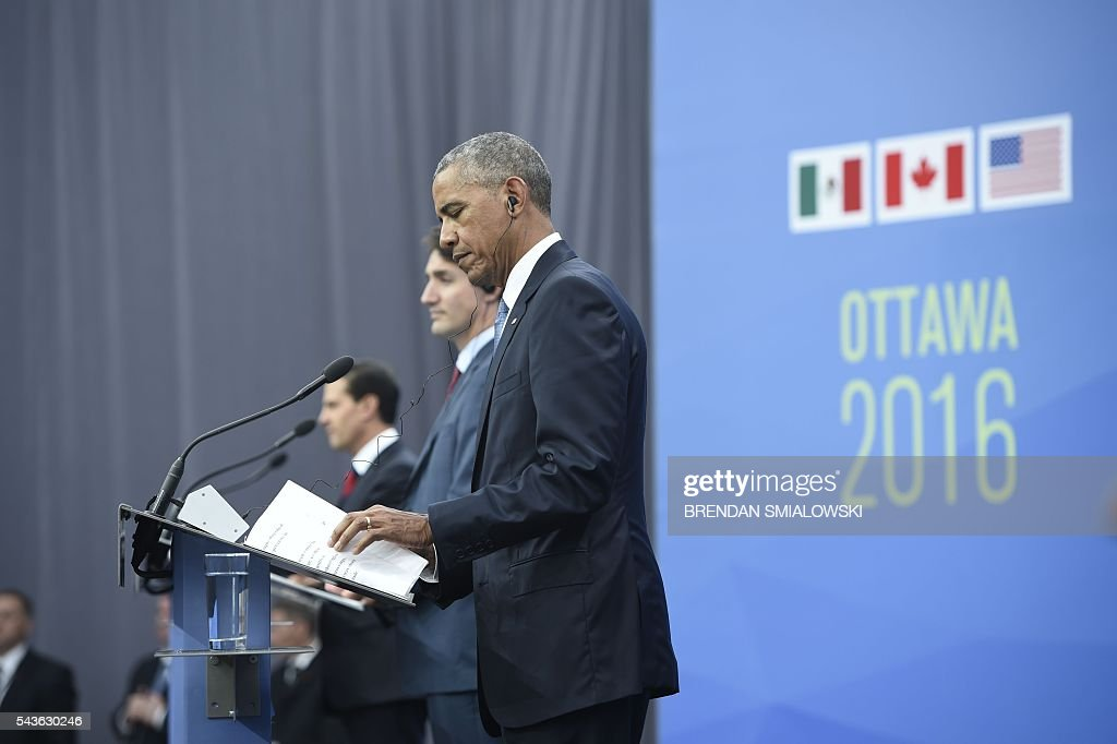 Mexican President Enrique Pena Nieto, Canadian Prime Minister Justin Trudeau and US President Barack Obama speak during a press conference during the North American Leaders Summit at the National Gallery of Canada June 29, 2016 in Ottawa, Ontario. / AFP / Brendan Smialowski