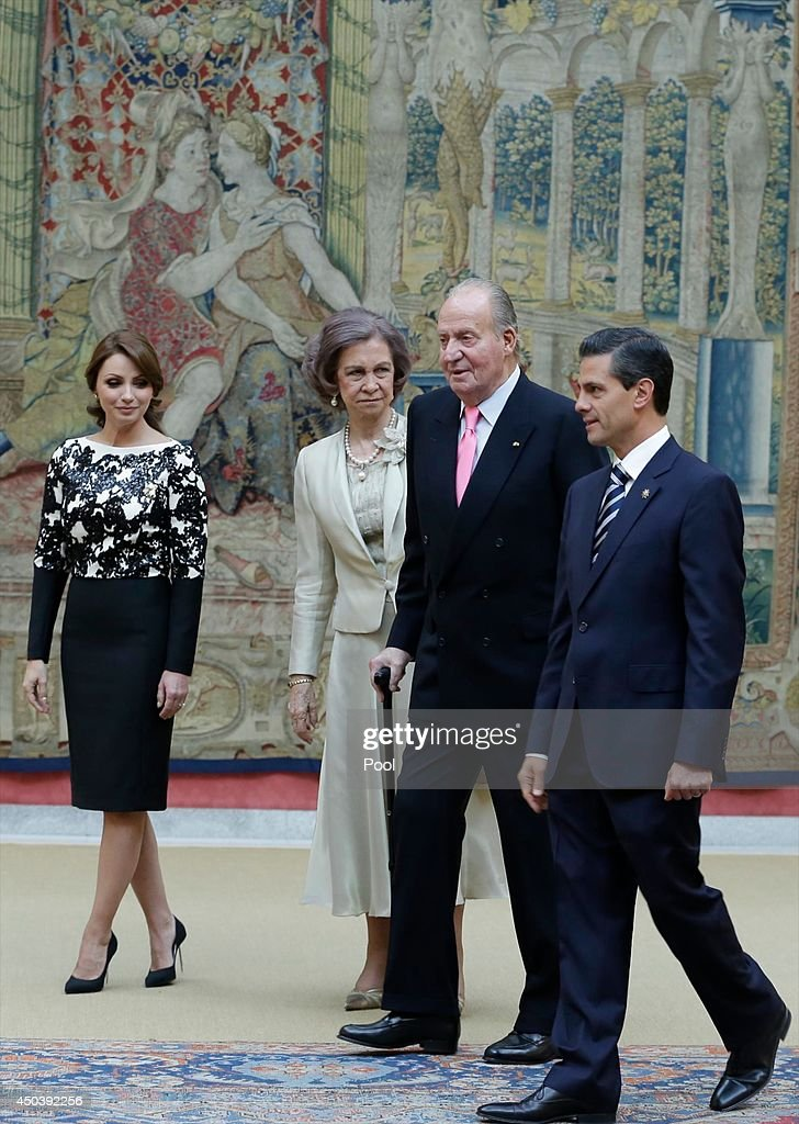 Mexican President's wife <a gi-track='captionPersonalityLinkClicked' href=/galleries/search?phrase=Angelica+Rivera&family=editorial&specificpeople=4327597 ng-click='$event.stopPropagation()'>Angelica Rivera</a>, <a gi-track='captionPersonalityLinkClicked' href=/galleries/search?phrase=Queen+Sofia+of+Spain&family=editorial&specificpeople=160333 ng-click='$event.stopPropagation()'>Queen Sofia of Spain</a>, King Juan Carlos of Spain and Mexican President <a gi-track='captionPersonalityLinkClicked' href=/galleries/search?phrase=Enrique+Pena+Nieto&family=editorial&specificpeople=5957985 ng-click='$event.stopPropagation()'>Enrique Pena Nieto</a> host a reception in honour of Mexican President at the El Pardo Palace on June 10, 2014 in Madrid, Spain.