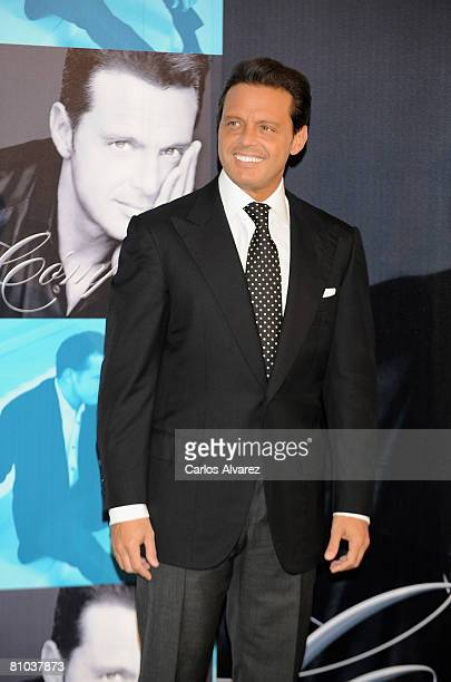Mexican singer Luis Miguel attends the photocall to promotes his new album 'Complices' on May 09 2008 at the Palace Hotel in Madrid Spain